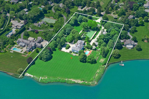 this-is-the-expansive-waterfront-hamptons-property-of-the-nash-family-it-has-been-with-the-prominent-family-for-more-than-30-years-1