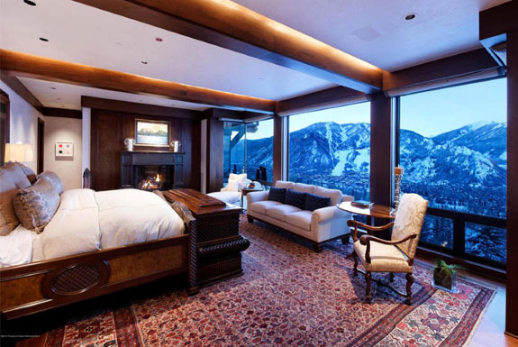 the-bedroom-has-a-view-that-will-make-waking-up-in-the-morning-a-whole-lot-nicer