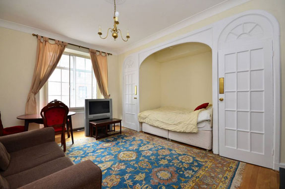 if-thats-not-your-cup-of-tea-theres-this-studio-with-a-very-small-bed-near-regents-park-for-just-595000-941000