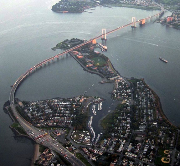 Throgs_Neck_Bridge_from_the_air-thumb