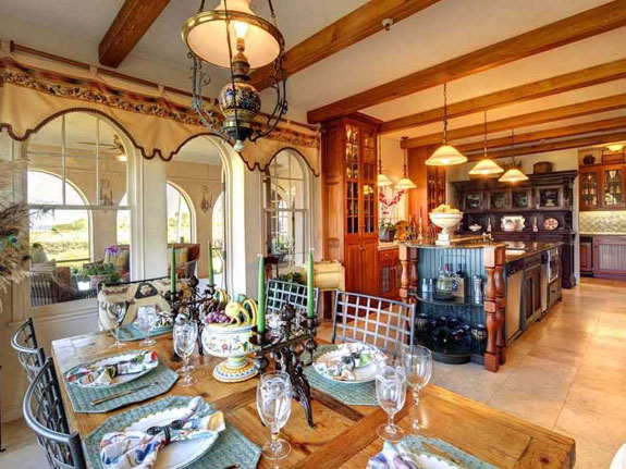the-spanish-style-influences-permeate-throughout-the-home