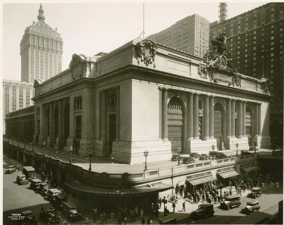 here-is-what-grand-central-station-looked-like-during-the-roaring-twenties