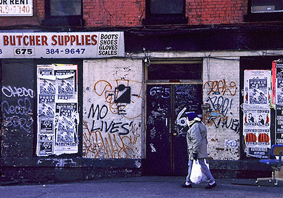 starting-in-the-late-1970s-supermarkets-began-changing-ways-in-which-they-dealt-with-suppliers-of-produce-and-meat-creating-a-downturn-in-the-industry-in-places-like-the-meatpacking-district