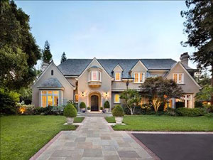 featured-in-architectural-digest-this-home-was-custom-built-for-its-current-owners