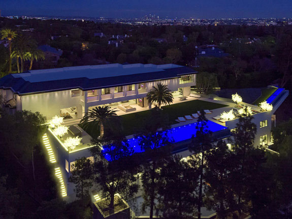 2-located-in-the-ritzy-whopping-38000-square-feet-and-has-10-bedrooms-and-20-full