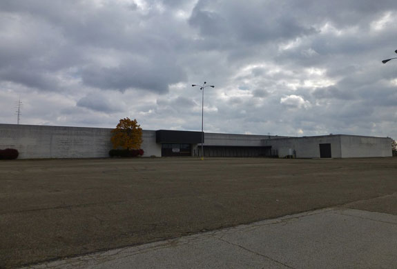 Rolling Acres Mall (Image credit: Nicholas Eckhart)
