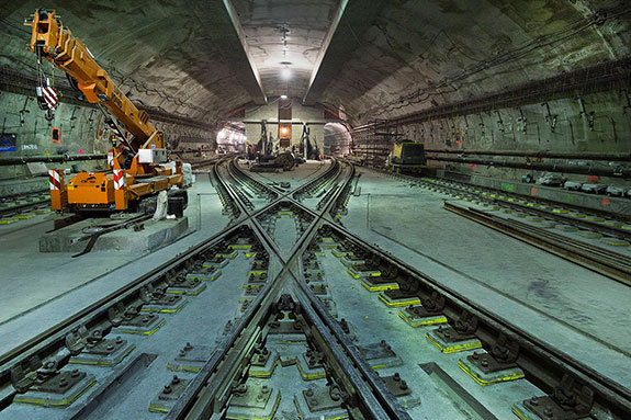 The 7 Subway Extension diamond crossover at 34th St and