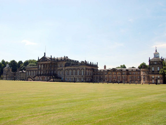 the-wentworth-woodhouse-is-being-sold-with-nearly-90-acres-of-parkland-several-resident-statues-and-a-chandelier-that-is-too-big-to-be-removed