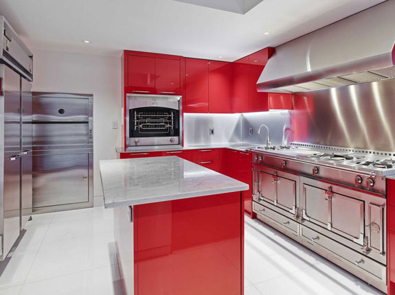 the-cooking-possibilities-are-endless-in-this-massive-italian-kitchen