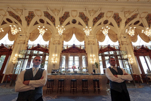 the-casino-and-monte-carlo-pastoret-pose-in-front-of-their-bar-in-the-private-rooms-of-the-salle-blanche