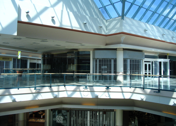 The definitive guide to London, Ontario malls A true icon of London: Masonville Mall c/o the Internetz I grew up in London, Ontario, which is truly one of the worst places ever.
